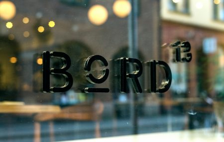 Bord13_Letters-1250x794